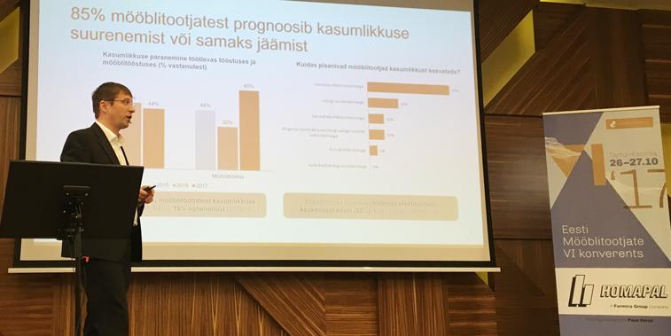 Swedbanki suurkliendihaldur Margus Maspanov esitlemas kliendiuuringut
